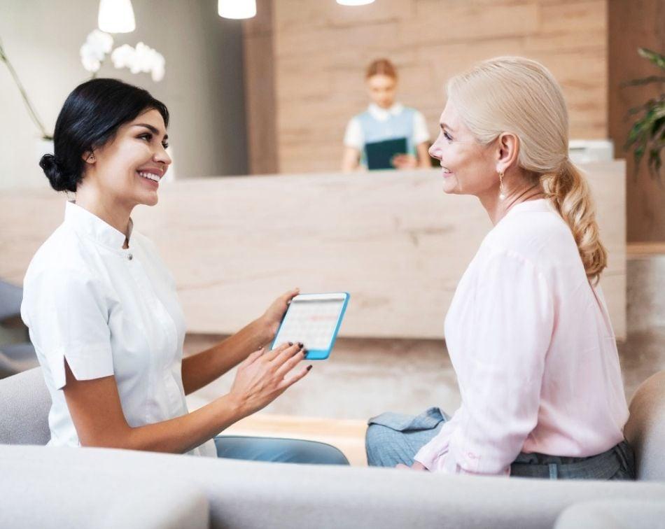 como-leer-la-mente-a-tus-clientes-y-anticiparte-a-sus-deseos-y-necesidades