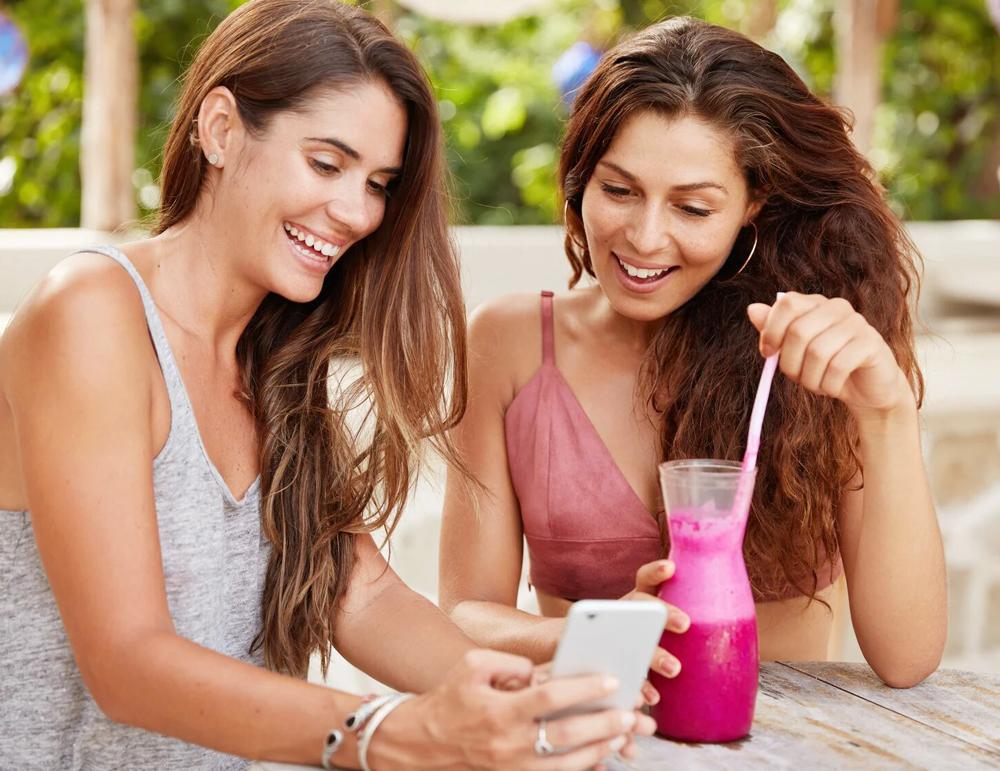 dia-del-amigo-3-videos-para-atraer-mas-clientes-con-tus-ofertas-2x1_flowww