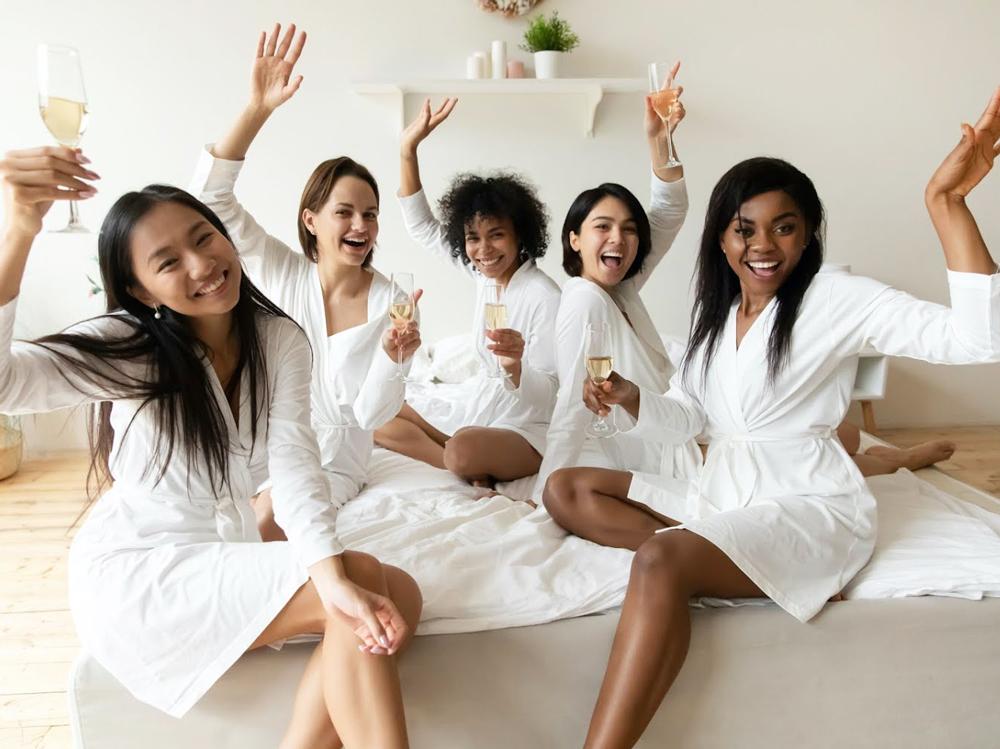 Cómo hacer una Beauty Party a domicilio con tus servicios de belleza